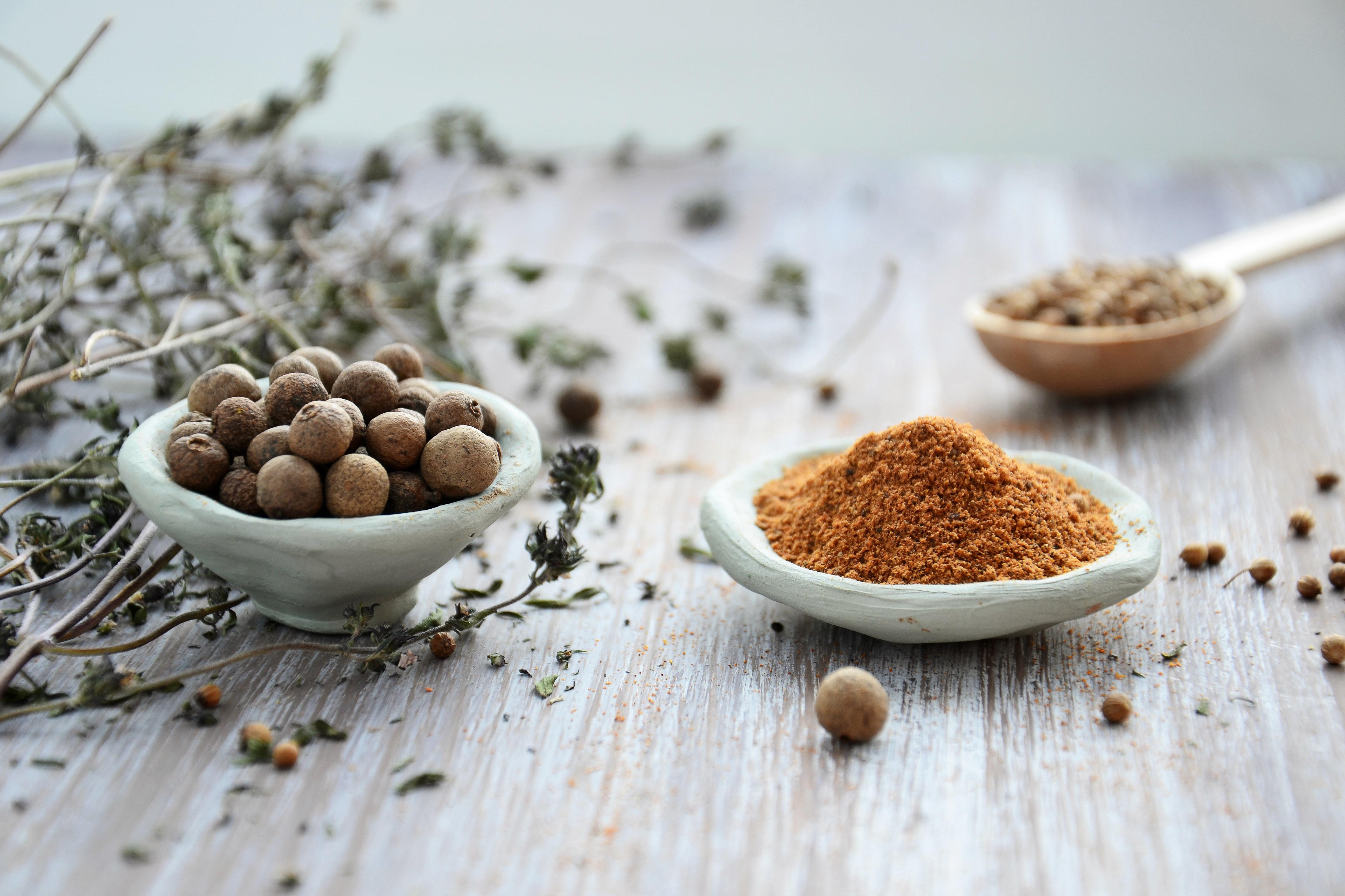 Naturliga ingredienser på bord